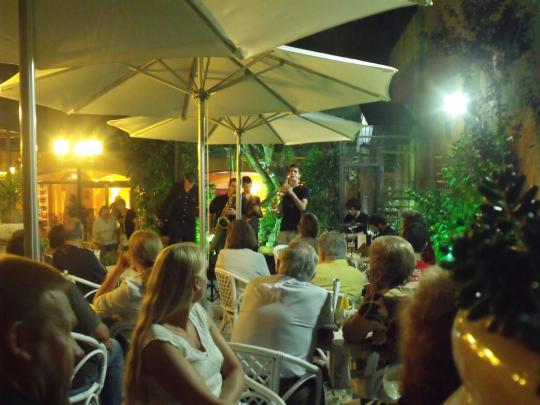 Concert dels No Problemo a El Pati Blau del Restaurant Can Trona